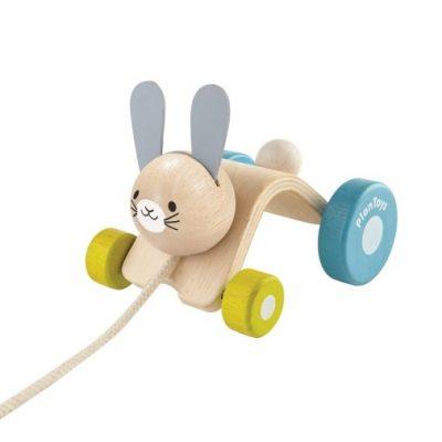 lapin sautillant plan toys jouet à tirer bois